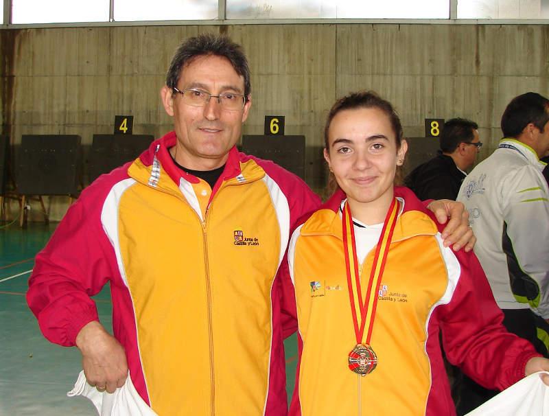 Natalia con su entrenador
