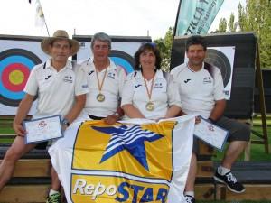 los zamoranos posan contentos con sus trofeos