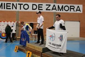 Ramiro en el podio de arco recrvo masculino